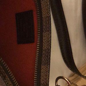 Bags - Authentic Louis Vuitton Petit Bucket